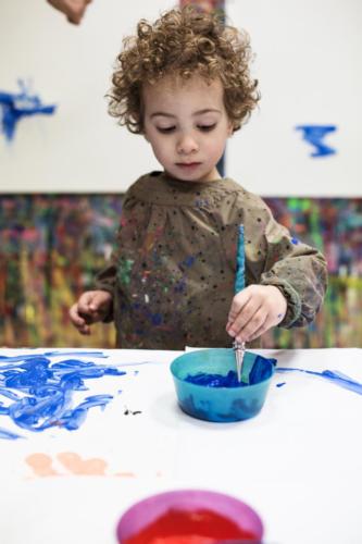 Pinceau bleu - Crédit @Julienne Rose